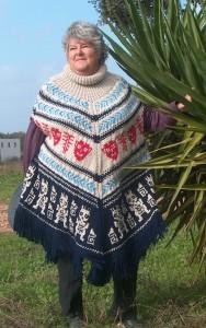 Chunky Ethnic Poncho - Mayan Knitwear Pattern
